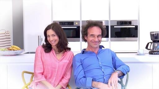 QES - Trailer 1, un couple